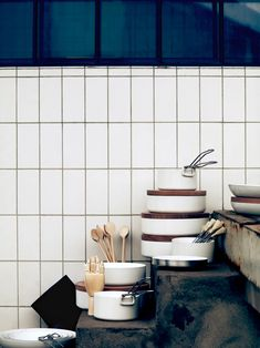 It& no secret that we LOVE subway tile here at ABM. It& fresh, inexpensive and classic. In the past I have stuck with a traditional offset pattern for all of my subway tile. Subway Tile Kitchen, Kitchen Backsplash, Kitchen Worktops, Soup Kitchen, Wooden Kitchen, Kitchen Living, Vintage Kitchen, Kitchen Cabinets, Bath