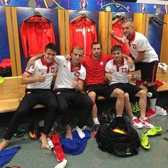 A happy #Poland dressing room... #EURO2016  Repost @grzegorz.krychowiak