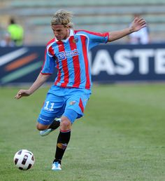 Maxi+Lopez+Bari+v+Catania+Calcio+Serie+2Drkf2EBD9fl.jpg (542×594)