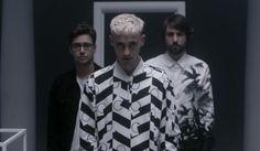 """Years & Years divulga três novos vídeos para o single """"Shine"""" #Brincadeira, #Cenário, #Clipe, #Disponível, #Grupo, #Lançamento, #Música, #Vinil http://popzone.tv/years-years-divulga-tres-novos-videos-para-o-single-shine/"""
