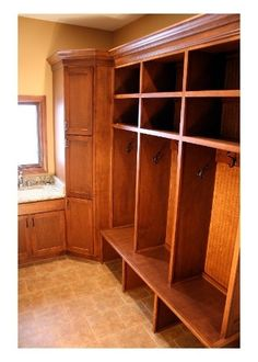 Mudroom/Entryway Wood Lockers by Chris Worley Wooden Lockers, Built In Lockers, Wooden Bathroom, Closet Designs, Classic House, Built Ins, Mudroom, Kitchen Remodel, Entryway