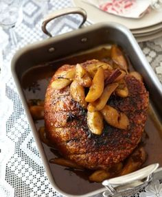 Reuben Riffel's Roasted Pork Shoulder with Pears and Cider Pork Shoulder Roast, Good Roasts, South African Recipes, Food Obsession, Pork Recipes, Recipies, Pork Dishes, Easy Weeknight Meals, Pork Roast