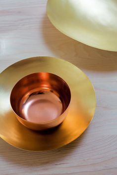 The versatility of Copper Blush makes it a fantastic choice, and one that will see it as inescapable in the world of interiors next year. Colour Schemes, Color Trends, Colour Palettes, Design Trends, Black Gold Decor, Copper Blush, Shades Of Gold, Orange Fashion, World Of Interiors