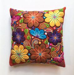 Colorido almohada decorativa Funda de almohada por NamiFabricArt