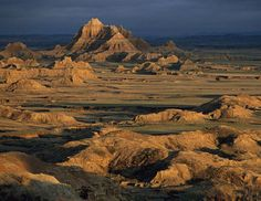 Though many visitors to the Badlands choose to camp and hike around the park for days, the average visitor only spends 1 or 2 hours touring the vast landscape, according the U.S. National Park Service. (Annie Griffiths Belt/National Geographic)