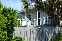 Sea Greene Beach Cottage in Kaka Point, The Catlins Beach Cottages, Homes, Sea, Outdoor Decor, Holiday, Home Decor, Houses, Vacations, Decoration Home