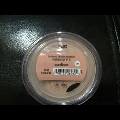 BareMinerals Original foundation New bare minerals foundatin in Medium bareMinerals Makeup Foundation