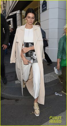 Kendall Jenner & Gigi Hadid Gather A Crowd During Appearance At Colette in Paris | kendall jenner gigi hadid joe jonas paris park colette store appearance 01 - Photo