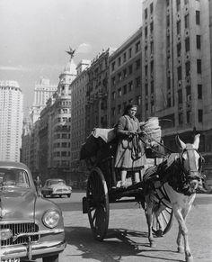 Madrid 1955. #Fotografía Francesc Català Roca @Qomomolo