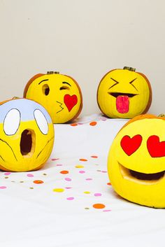 DIY Emoji pumpkins for Halloween. Our kids would LOVE these! | via Bespoke Bride