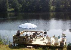 Brygga Small Lake Houses, Lakeside Living, River House, Lake Life, Garden Spaces, Pond, Cottage, Building, Dock Ideas