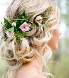 Enticing hairstyle for the special occasions.