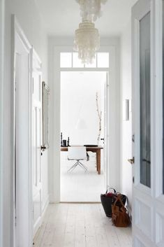 Revistas de decoración danesas y una encimera de roble de casi 7 m