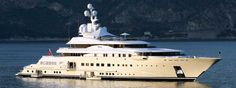 Of course the beautiful shape of Pelorus. Built by Lürssen, she is just over 114 meters, designed by the talented Tim Heywood. Perfect exterior.