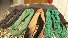 Here's how you can make your own infinity scarves out of old t-shirts: http://livewelln.co/1qPPr1u #DIY