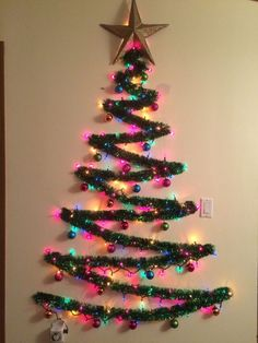 ideas lighting ideas diy wall christmas trees for 2019 Artificial fir tree as Christmas decoration? A synthetic Christmas Tree or perhaps a real one? Wall Christmas Tree, Creative Christmas Trees, Diy Christmas Lights, Rustic Christmas, Simple Christmas, Christmas Crafts, Christmas Christmas, Alternative Christmas Tree, Christmas Ornament