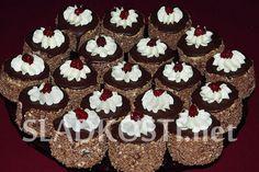 Piškotové dortíčky s ořechy