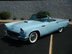 1957 Ford Thunderbird Convertible - My list of the best classic cars Ford Classic Cars, Best Classic Cars, Classic Trucks, Classic Cars British, Chevy Classic, Classic Auto, Ford Thunderbird, Old Vintage Cars, Old Cars