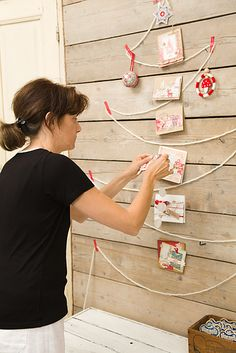 christmas tree card display...the tree outline could also be made out of twinkle lights