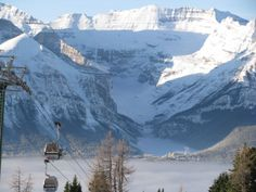 #Banff #LakeLouise #Canada #skiing