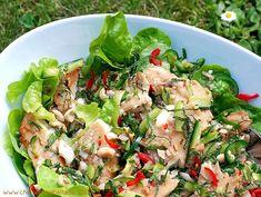 Chili und Ciabatta: Salat von der Regenbogenforelle mit Thaikräutern