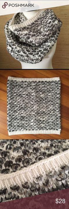 Big Cozy Chunky Cowl Chunky, huge cowl. Gorgeous and brand new with tag! GAP Accessories Scarves & Wraps