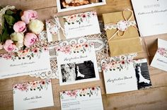 Tolle Hochzeitspapeterie mit Blumen zum selbst online gestalten. #hochzeitspapeterie #carinokarten #hochzeitseinladungen #invitations