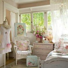 Shabby chic bedroom I love the hardware on the pink dresser. #shabbychicbedroomsromantic