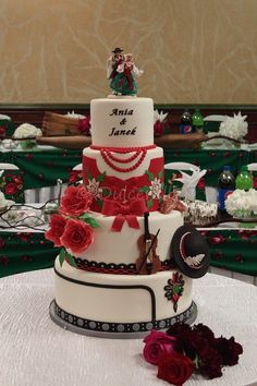 https://flic.kr/p/AbBr9c | Highlander wedding cake - Ania and Janek