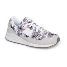 Women's New Balance '530' Sneaker (€84) ❤ liked on Polyvore featuring shoes, sneakers, new balance shoes, new balance, new balance footwear, new balance sneakers and new balance trainers