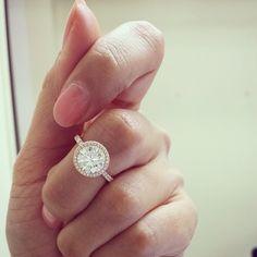 Halo engagement ring  - sjouel's photo on Instagram #diamondring #diamond #diamondlife #engagementring #halodesign #halo #rosegold
