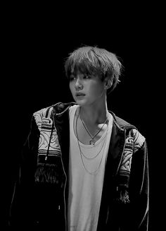 Suga (Min Yoongi) BTS / Bangtan Sonyeondan / Bangtan Boys (슈가 ( 민윤기) 방탄소년단)