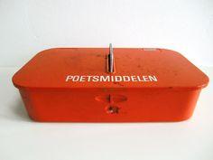 Industrial vintage Brabantia polishing box. by RainbowsandBubbles, €20.00