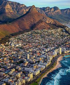 Sea Point Beach in Cape Town, South Africa Paises Da Africa, Out Of Africa, Beautiful World, Beautiful Places, Namibia, Cape Town South Africa, Durban South Africa, Africa Travel, Places To See