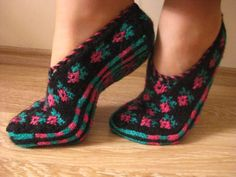 women slipperwith flower slipperwinter by AnkaraFlavour on Etsy, $20.00