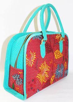 Tas batik dan kulit cobra  Batik and snake skin bag  batikria@gmail.com /+62 81310037425