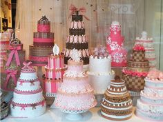pink cakes