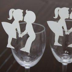 PAR 5 marque place BLANC  couple  decoration table mariage,porte noms,etiquettes, Deco Table, Etiquette, Paper Cutting, Cricut Design, Wine Glass, Laurence, Etsy, Tableware, Centre
