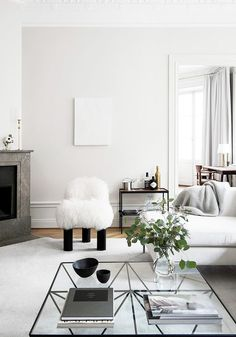 8 Simple Coffee Table Styling Tricks Guests Always Notice