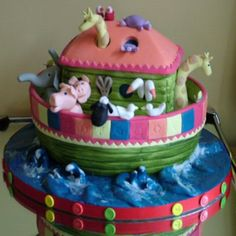 Noahs Ark Two by Two cake for twins shared by ww.twinsgiftcompany.co.uk