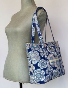 Carry-All Tote Patternpurse patterntutorialBeach image 6 Diaper Bag Patterns, Bag Patterns To Sew, Quilted Purse Patterns, Fabric Tote Bags, Diy Tote Bag, Diy Purse, Bag Pattern Free, Tote Pattern, Patchwork Bags