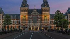 Hang out with the Old Masters at the Rijksmuseum http://www.iamsterdam.com/en/visiting/what-to-do/top-20-things-to-do-in-amsterdam