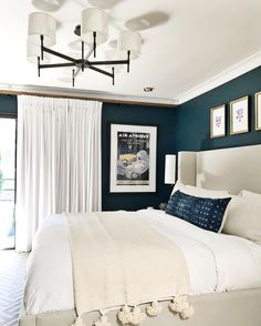 Cheap Home Decor Bedroom with dark blue walls and white and Ivory bedding Home Decor Bedroom with dark blue walls and white and Ivory bedding Cozy Bedroom, Dream Bedroom, Home Decor Bedroom, Modern Bedroom, Bedroom Ideas, Bedroom Art, Bedroom Designs, Ivory Bedding, Neutral Bedding