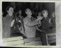1949-Duke-Duchess-of-Windsor-at-Italian-Vacation-Spot