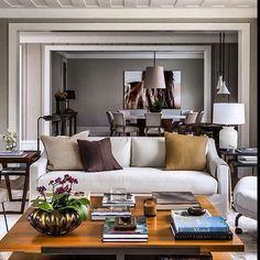 "1,676 Likes, 13 Comments - Decoramundo (@decoramundo) on Instagram: ""Living maravilhoso por Dado Castelo Branco. Perfeito!!!!!!!!#decoramundo #lovedecor interiores…"""