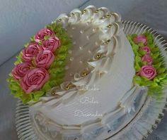 Occasion Cakes, Cake Decorating, Special Occasion, Cupcakes, Desserts, Round Cakes, Decorating Cakes, Wedding Cake Square, Birthday Cakes