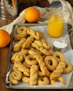 Greek Easter Orange Cookies - Koulourakia Portokaliou Pastry Recipes, Dessert Recipes, Desserts, Koulourakia Recipe, Greek Cookies, Sesame Cookies, Dairy Free Cookies, Orange Cookies, Greek Easter