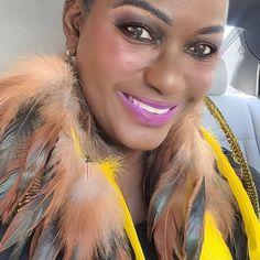 Custom order DM ❤️ —————————————— www.fashmorous.com/amazon www.etsy.com/shop/fashmorousearrings ——————————————— #fashmorous #earrings #handmade Feather Headpiece, Feather Earrings, Bohemia Photos, Bohemian Lace Dress, Shops, Bleach Dye, Natural Brown, Down Hairstyles, Warm Colors