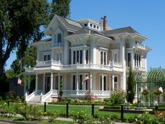 Tour of the Gable Mansion in Woodland, CA benefits Red Cross
