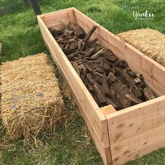 How to Build Hugelkultur Raised Garden Beds How to Build Hugelkultur Raised Garden Beds – Yankee Homestead More from my site 22 Incredible DIY Raised Garden Beds Ideas that are Easy to Build 5 Step Raised Garden Bed Raised Vegetable Gardens, Home Vegetable Garden, Garden Boxes, Garden Planters, Fence Garden, Garden Water, Fruit Garden, Garden Ideas, Building A Raised Garden